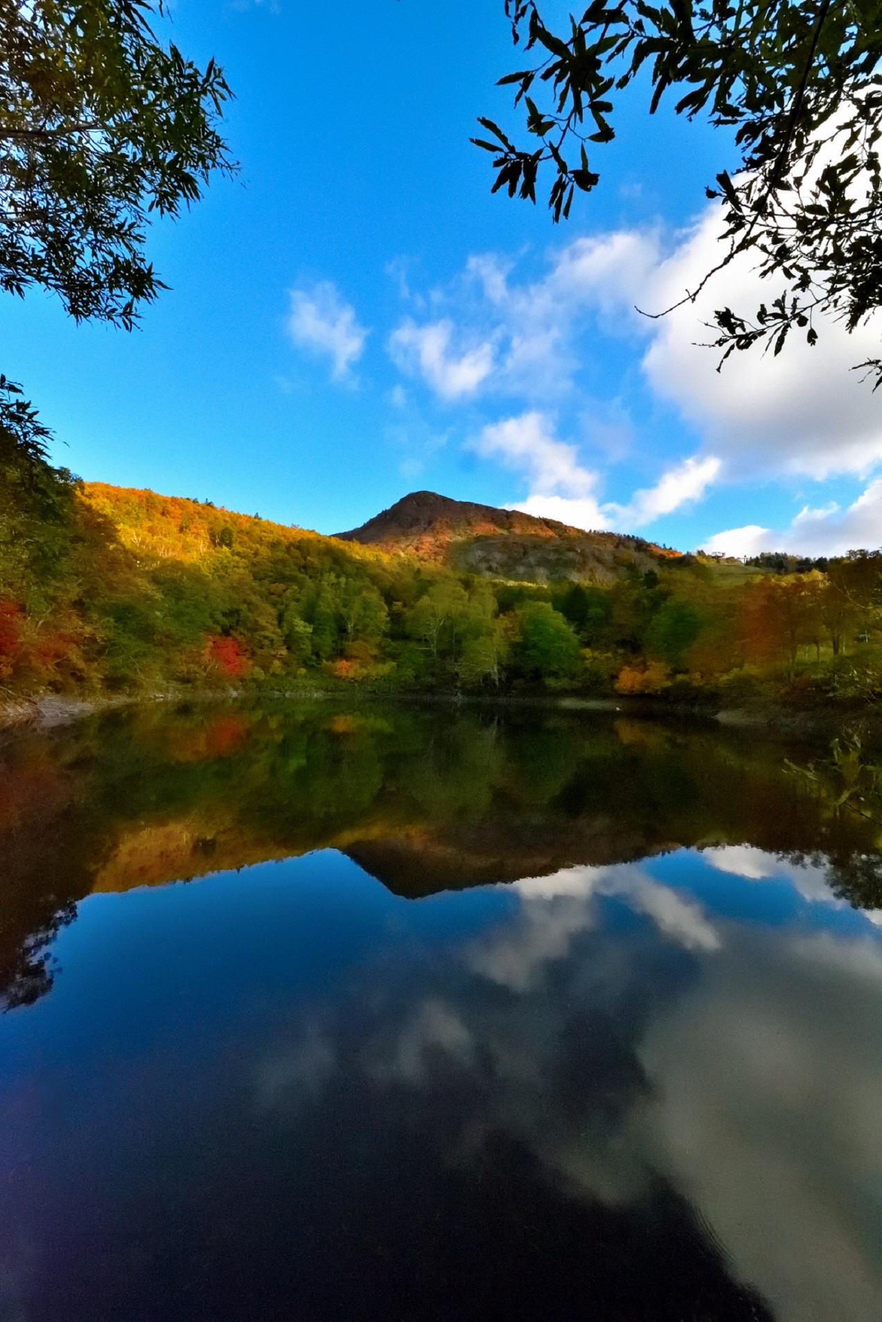 紅葉の片貝沼